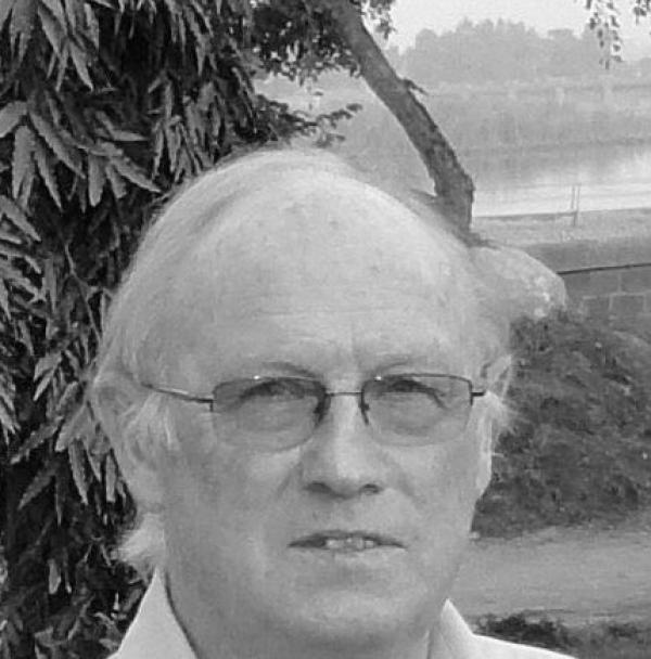 Mr Stewart Cairns