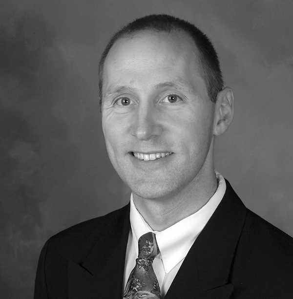 Dr Eric Neumann