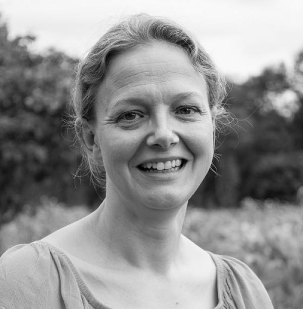 Dr Tania Thomson